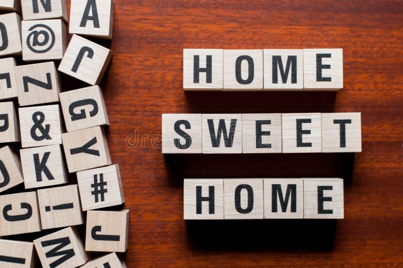 Домашняя сладостная домашняя концепция слова стоковые изображения rf