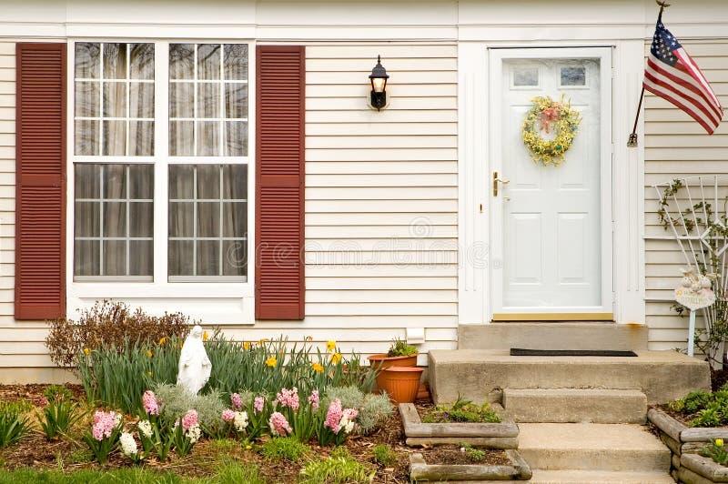домашняя landscaping весна стоковые изображения rf