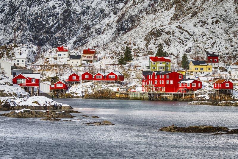 Дома деревень Hamnoy и Reine островов Lofoten в Норвегии стоковая фотография rf