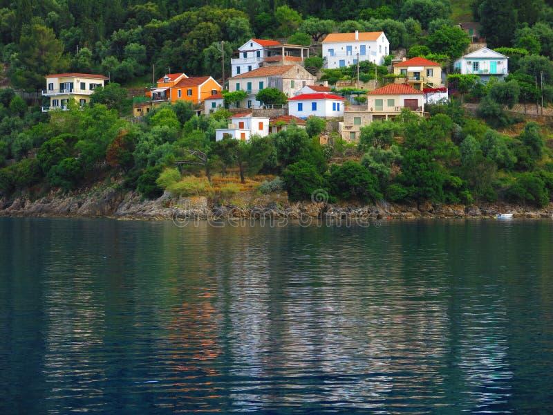 Дома на береге Ionian моря стоковые изображения rf