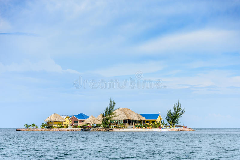 Дома на крошечном острове, Placencia, Белиз, стоковая фотография rf
