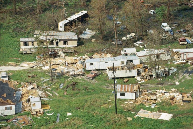 Дома разрушенные торнадоом стоковые изображения