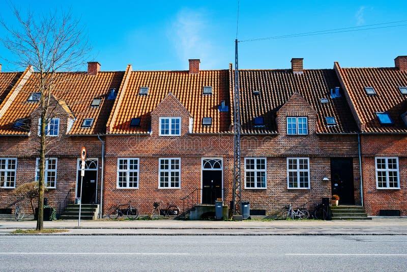 Дома строки в Brønshøj Копенгагене стоковые фото