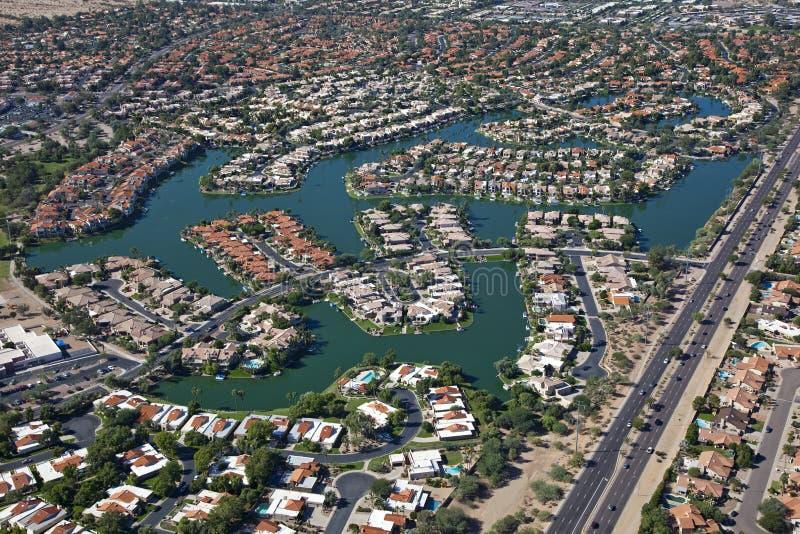 Дома фронта озера Scottsdale стоковые изображения rf
