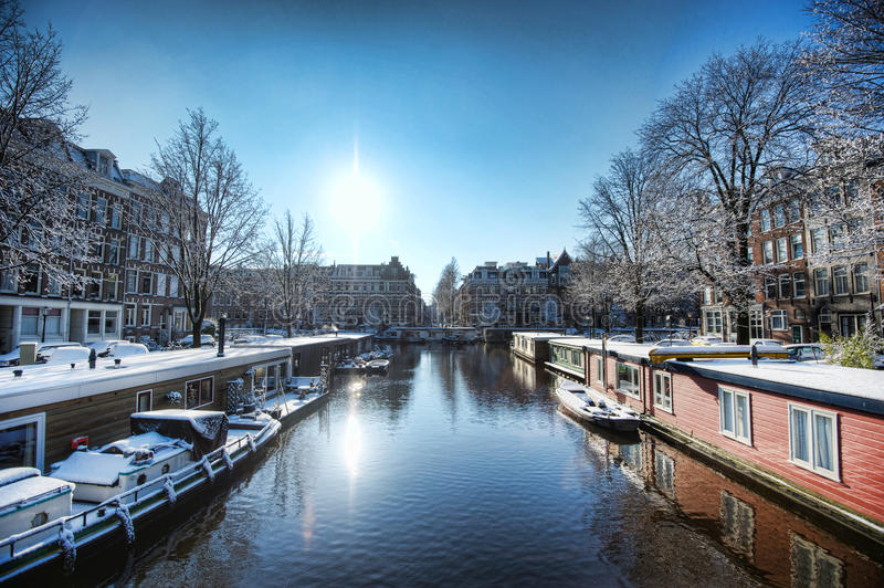 Дома шлюпки в Амстердаме стоковые изображения rf