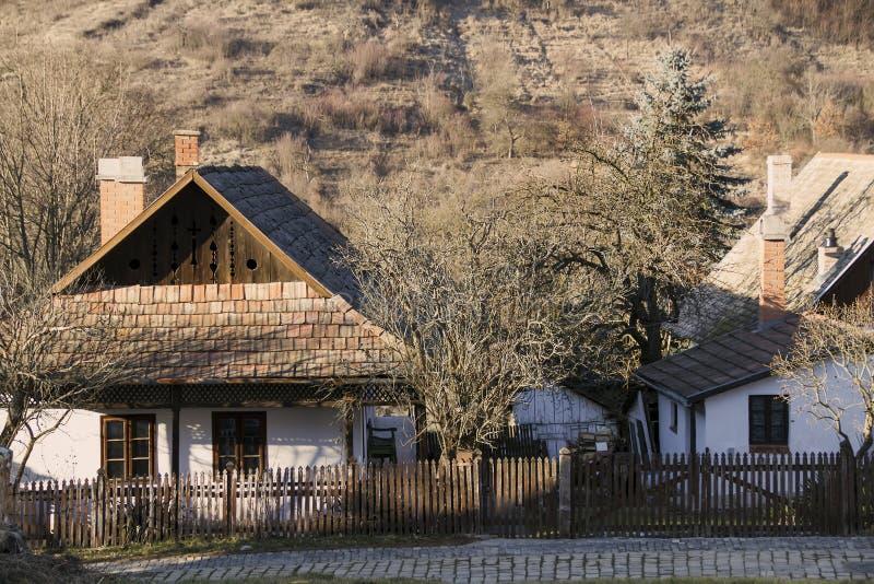 Дома Paloc этнографические в Holloko стоковое изображение