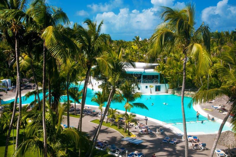 Доминиканская Республика, cana Punta, остров Saona - пляж Mano Хуана, гостиница, swimpool село рыболовов s стоковые изображения