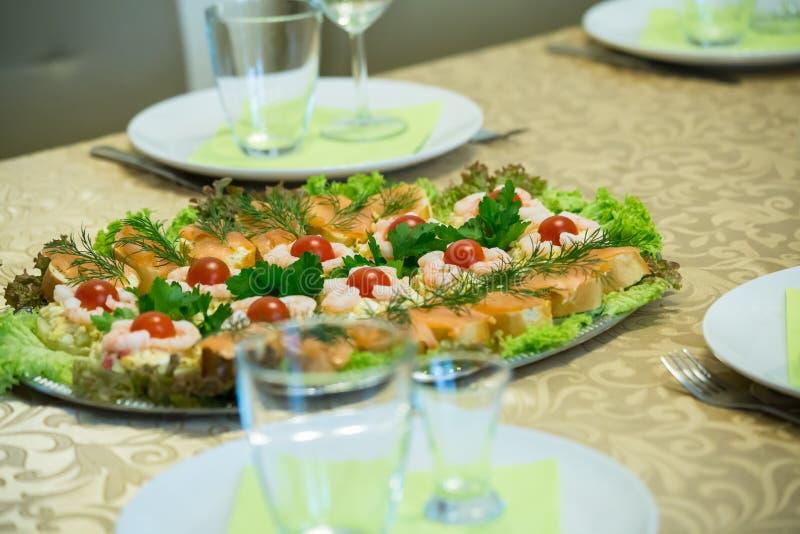 Домодельная плита рыб стоковое фото rf