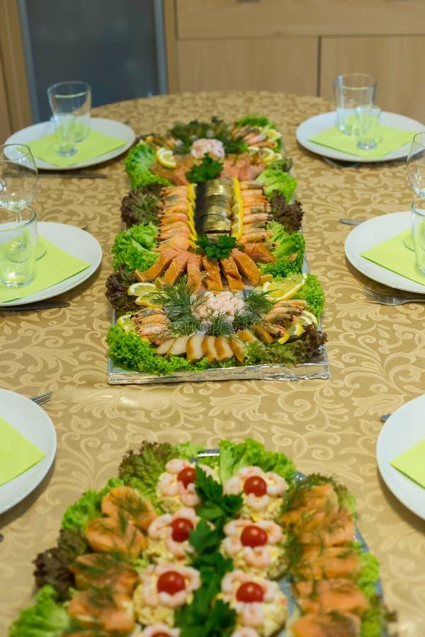 Домодельная плита рыб стоковые изображения