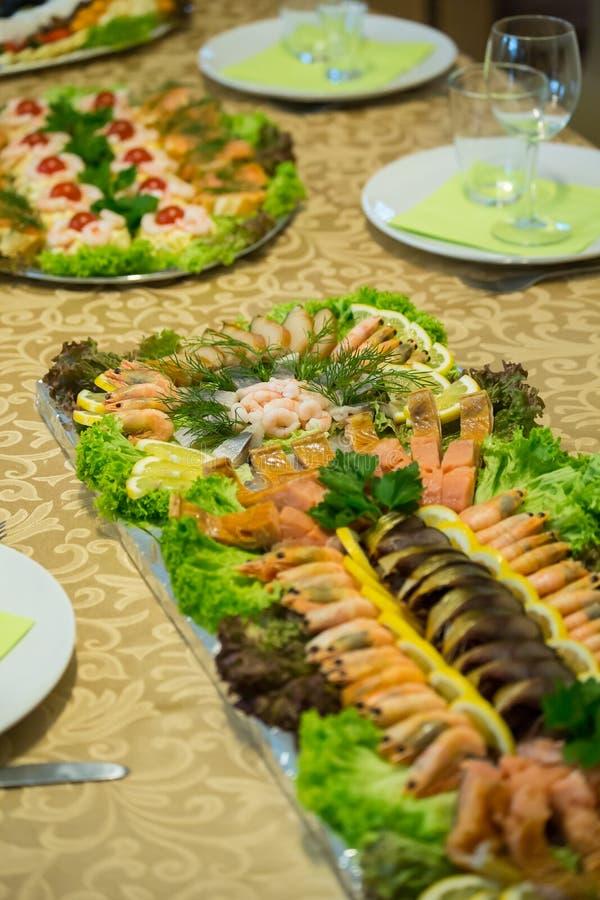 Домодельная плита рыб стоковое фото