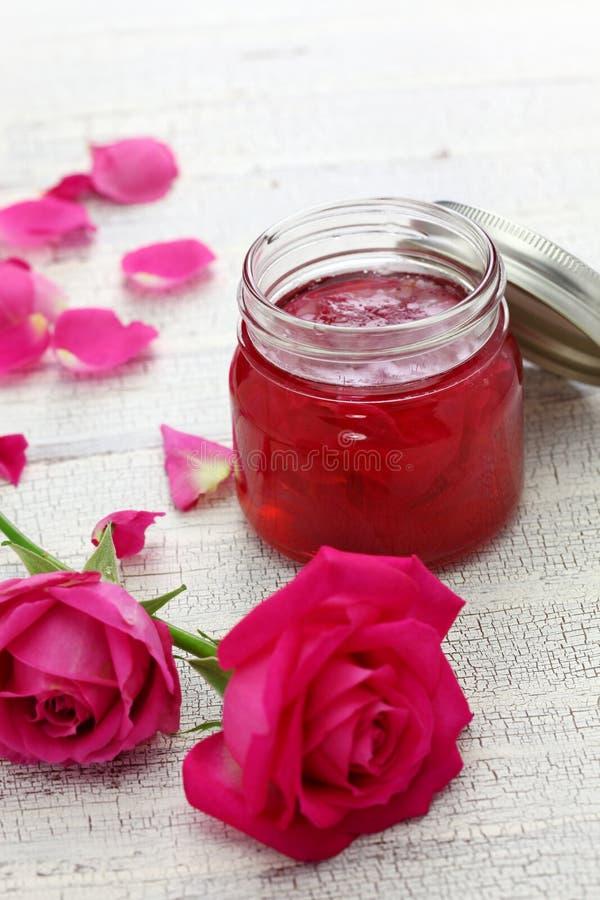 Домодельное варенье лепестка розы стоковое фото rf