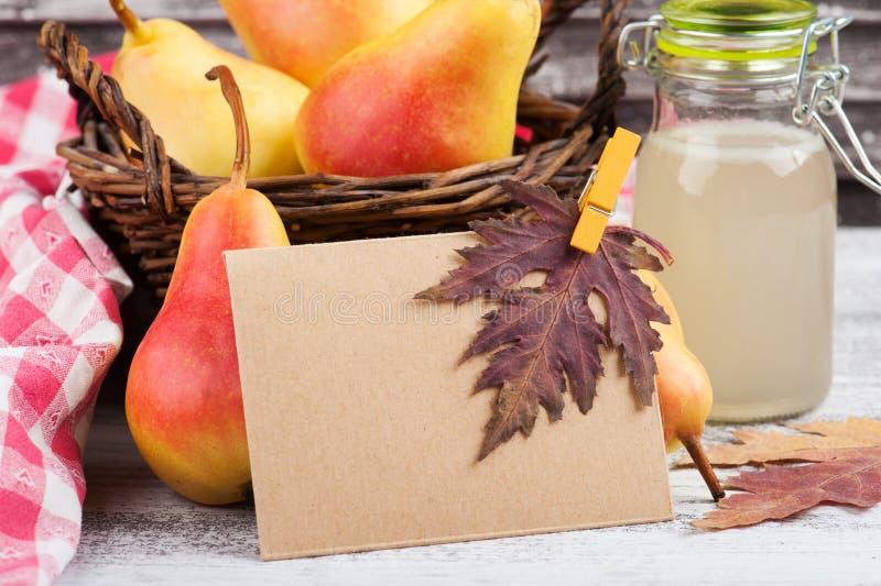 Домодельные сидр и плодоовощи груши стоковое фото rf