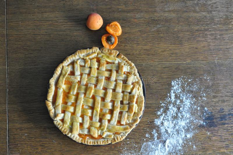 Домодельный пирог персика стоковое фото