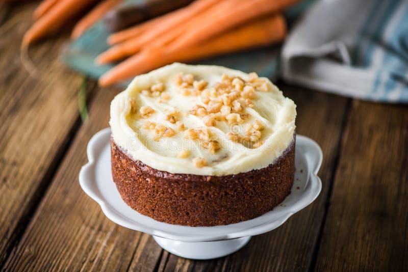 Домодельный свежий торт моркови стоковое изображение
