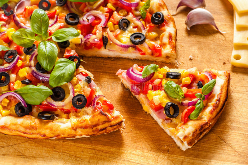 Домодельная пицца стоковое фото rf