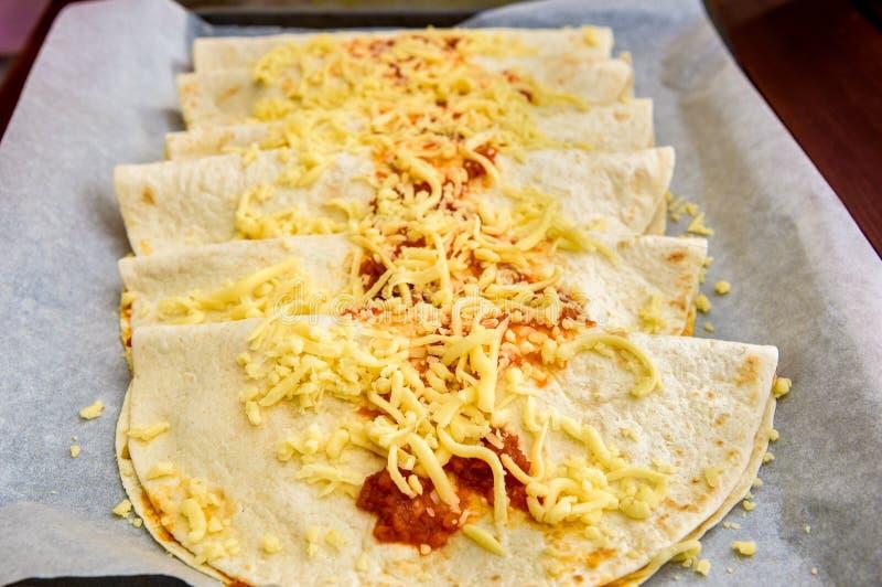 Домодельное мексиканское буррито еды, fajitas, Quesadillas, энчилада стоковое изображение rf