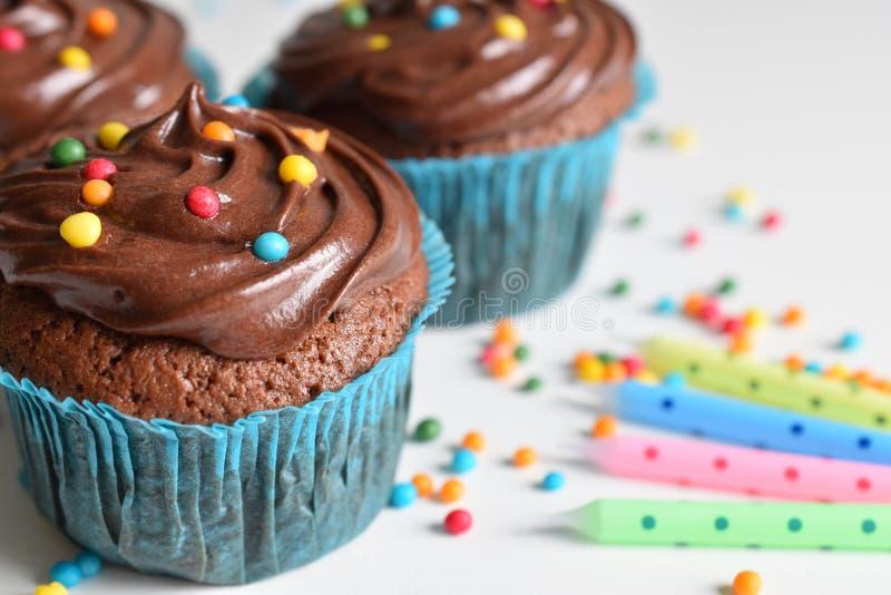 Домодельное пирожное шоколада с брызгает стоковая фотография