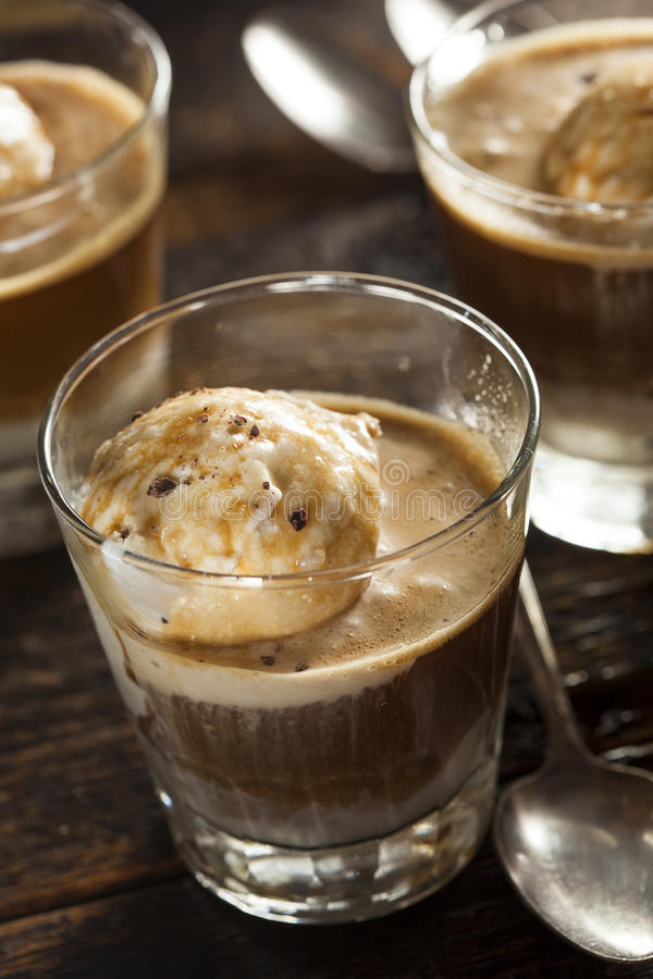 Домодельное Affogato с мороженым стоковое изображение rf