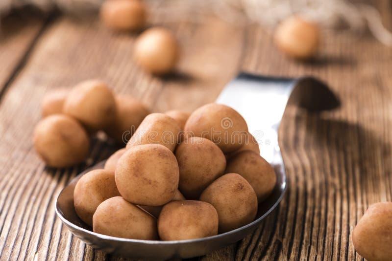 Домодельные картошки марципана (немецкая кухня) стоковая фотография