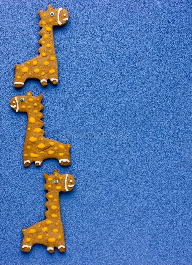 Домодельные печенья для детей сформировали забавных жирафов стоковое изображение rf