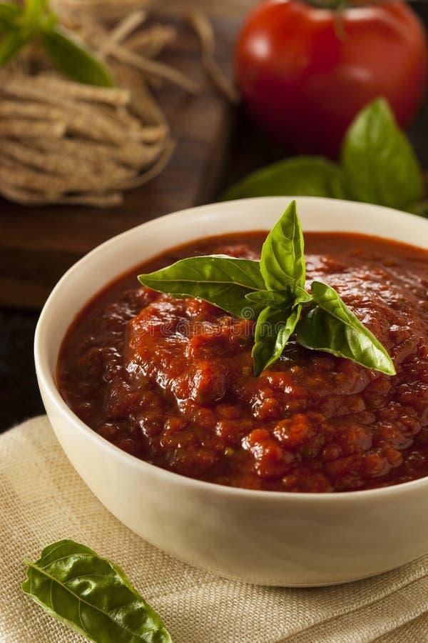 Домодельный красный соус Marinara итальянки стоковые фотографии rf