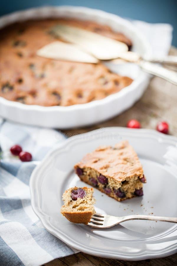 Домодельный пирог вишни paleo стоковые изображения rf