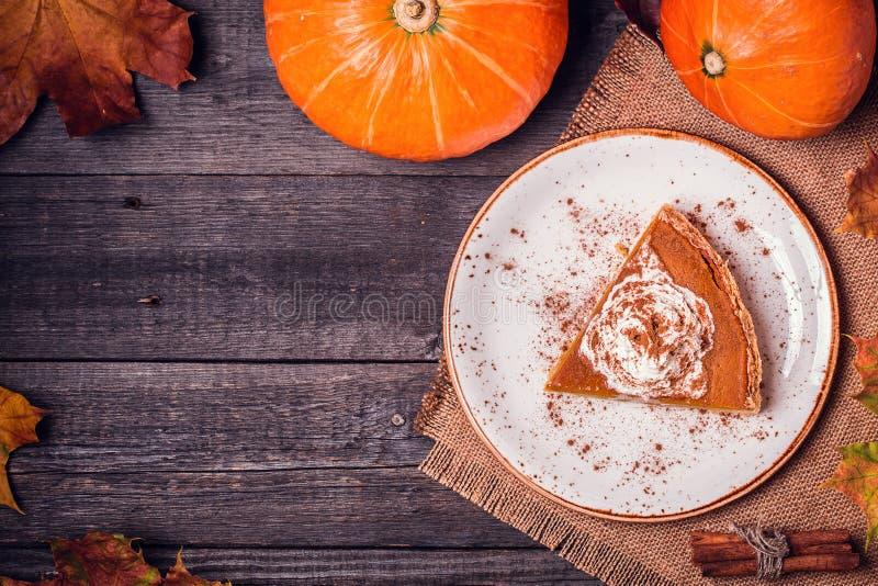 Домодельный пирог тыквы на благодарение стоковое фото rf