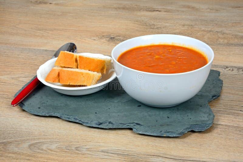 Домодельный суп чечевицы стоковые изображения