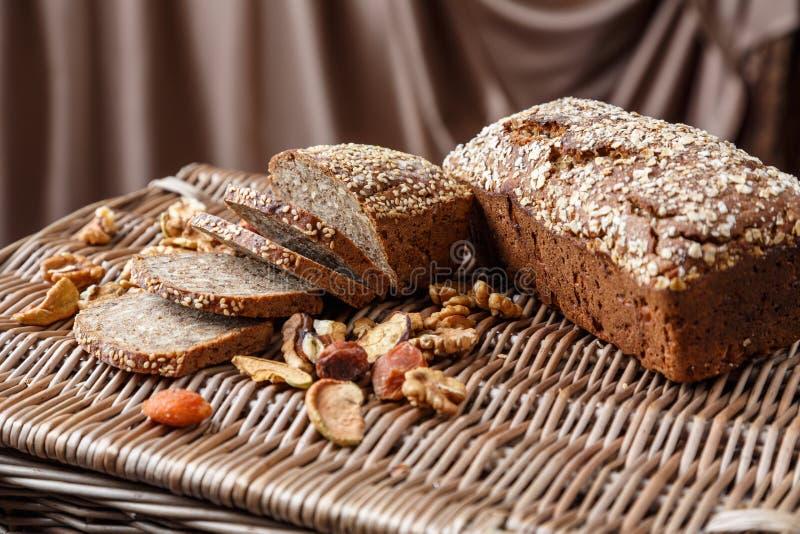 Домодельный хлеб с семенами стоковая фотография rf