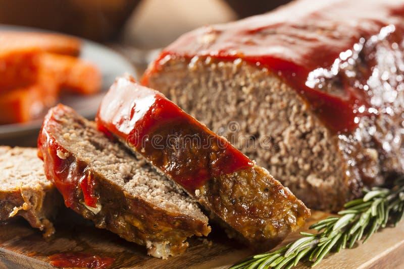 Домодельный Meatloaf говяжего фарша стоковое изображение rf