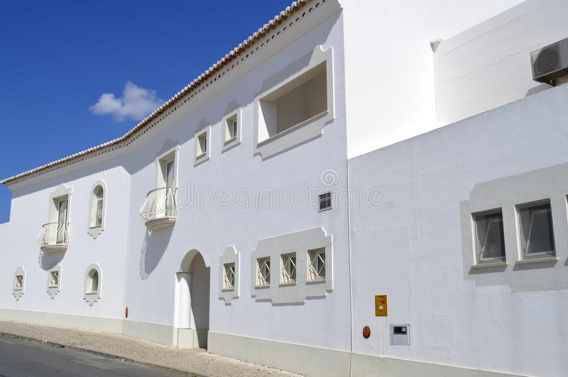 Дом в деревне Armacao De Pera стоковые фото