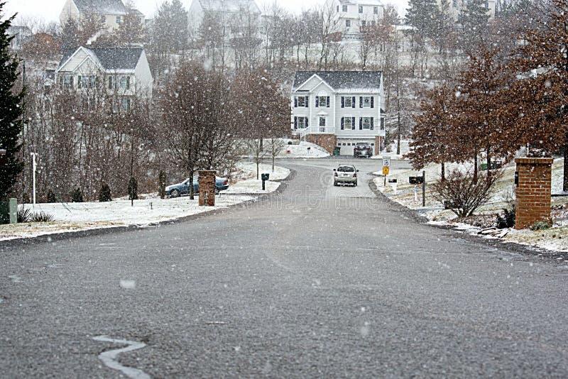 Дом в снежности стоковые изображения rf
