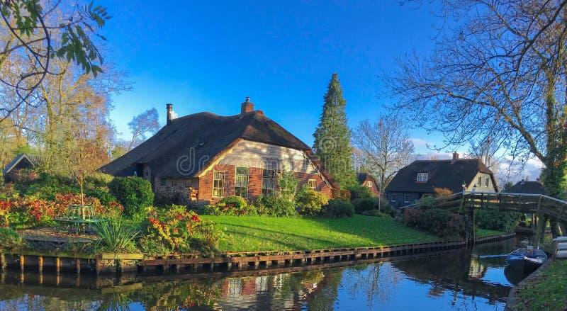 Дом в Giethoorn   Голландии, Нидерландах стоковое изображение