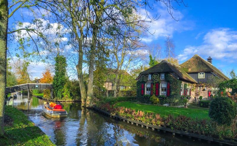 Дом в Giethoorn   Голландии, Нидерландах стоковая фотография rf