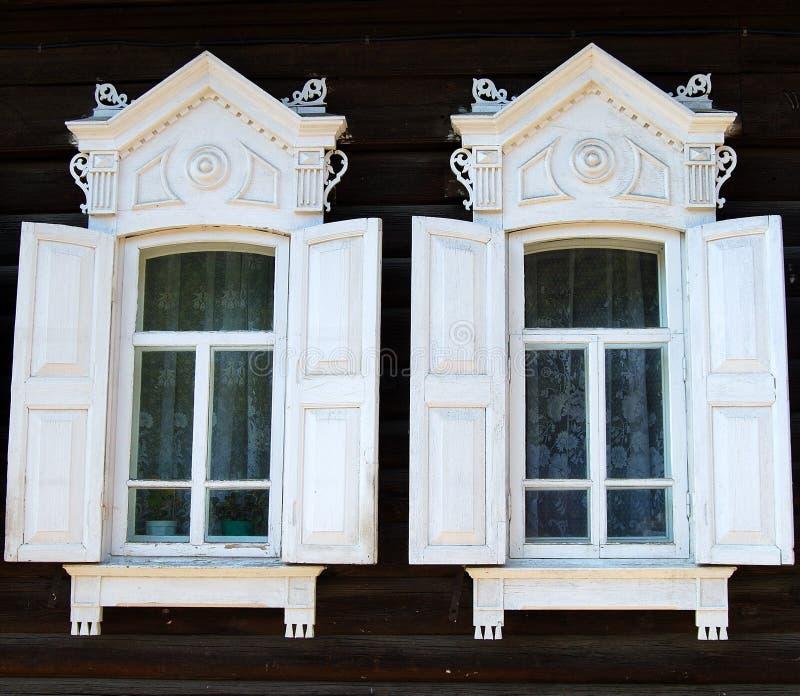 дом деревянная стоковые фотографии rf