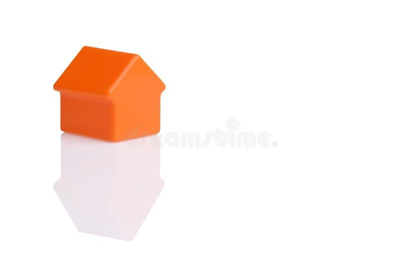 Дом изолированный на белой предпосылке стоковая фотография