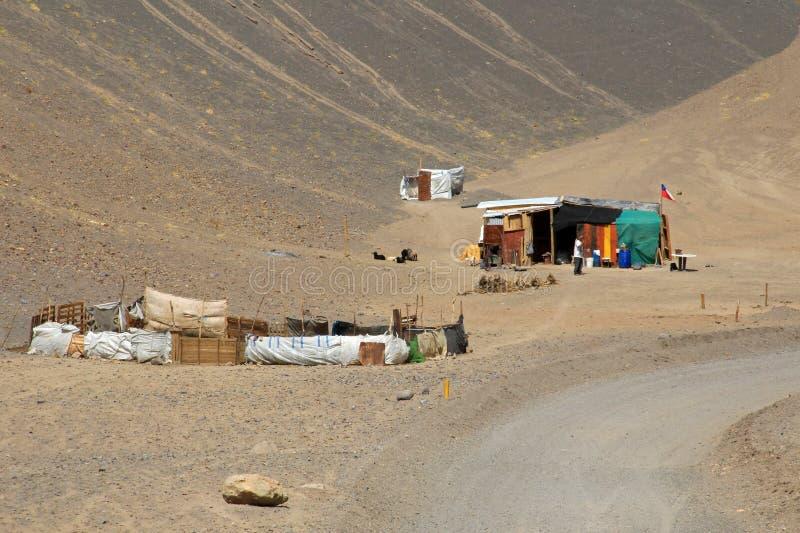 Дом и ландшафт трассы 6000, пустыня Atacama, Чили стоковые изображения rf