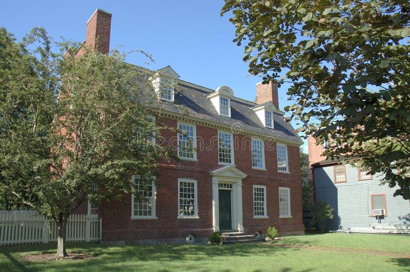дом кирпича колониальная историческая стоковое фото