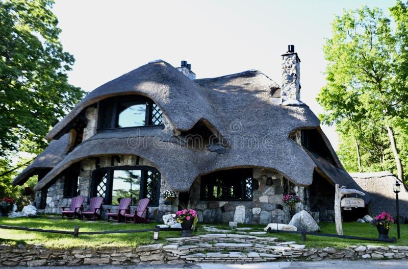 Дом крыши соломы стоковое фото rf