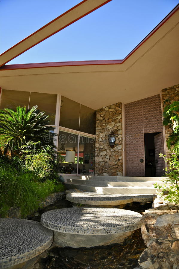 Дом медового месяца ` s Elvis Presley, Palm Springs стоковое фото rf