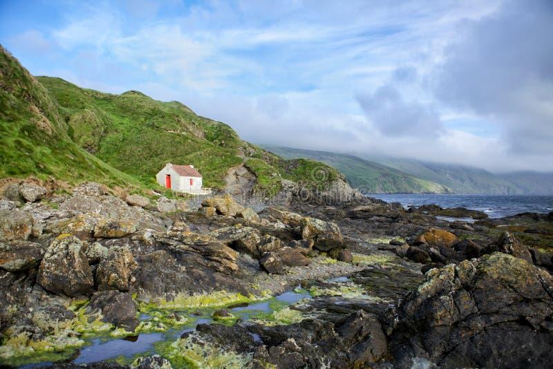 Download Дом на побережье стоковое изображение. изображение насчитывающей человек - 41650825