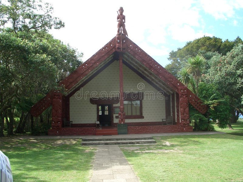 дом общины маорийская стоковые изображения rf