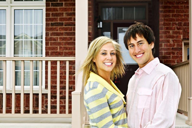 дом пар счастливый стоковая фотография rf