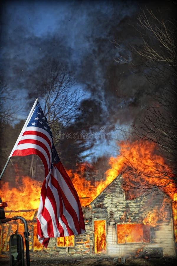 дом пожара стоковые фотографии rf