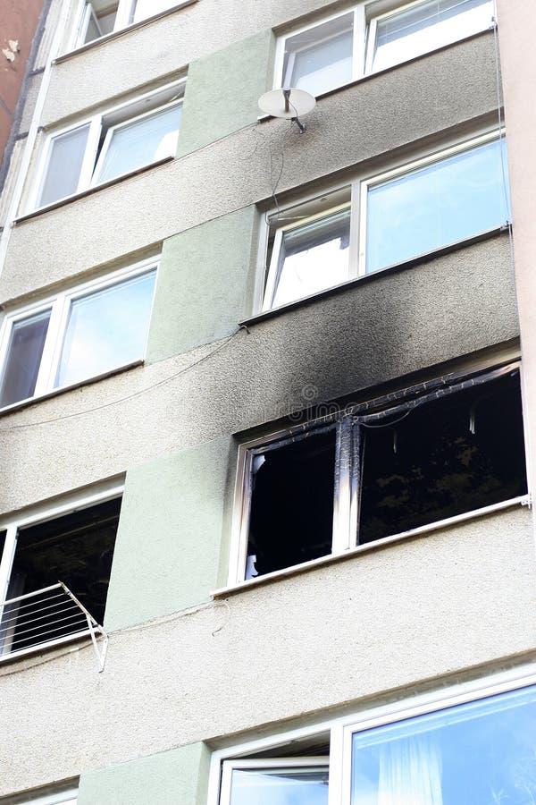 Дом после огня стоковые фотографии rf