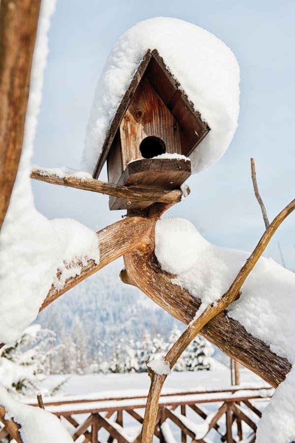 Download Дом птицы стоковое фото. изображение насчитывающей уныло - 37930838