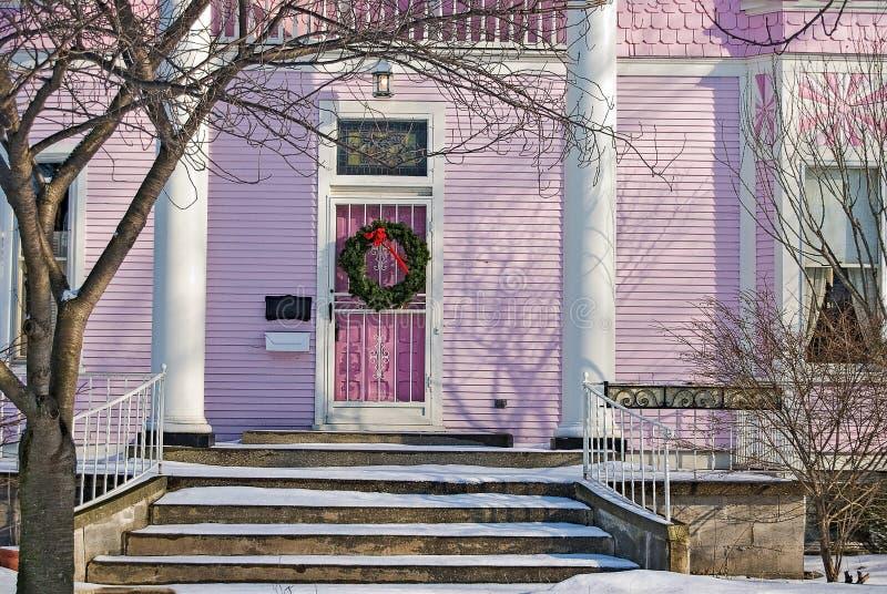 Дом рождества розовый викторианский стоковые изображения rf