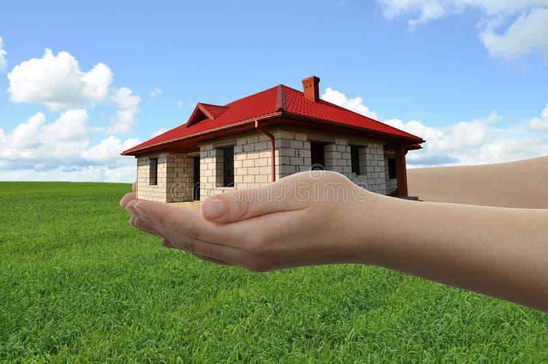 дом рук стоковое фото
