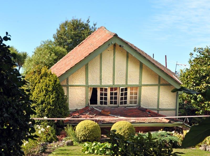 Дом рушится в землетрясении, Chrsitchurch, Новой Зеландии стоковые изображения rf