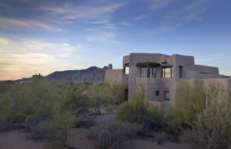 Дом самана ландшафта пустыни Аризоны стоковые фотографии rf